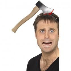 Diadema de hacha atravesando la cabeza.